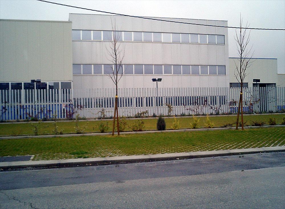 Strutture metalliche in acciaio for Piano di progettazione di edifici commerciali